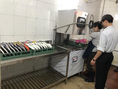 Máy rửa bát công nghiệp